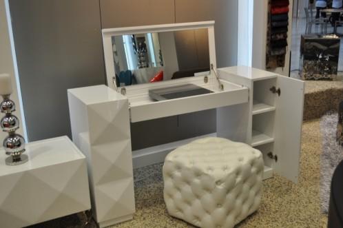 Versus Eva Modern White Gloss Vanity Table