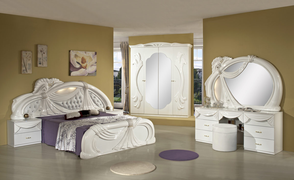 Beautiful Italian bedroom sets in our store in Hallandale Beach