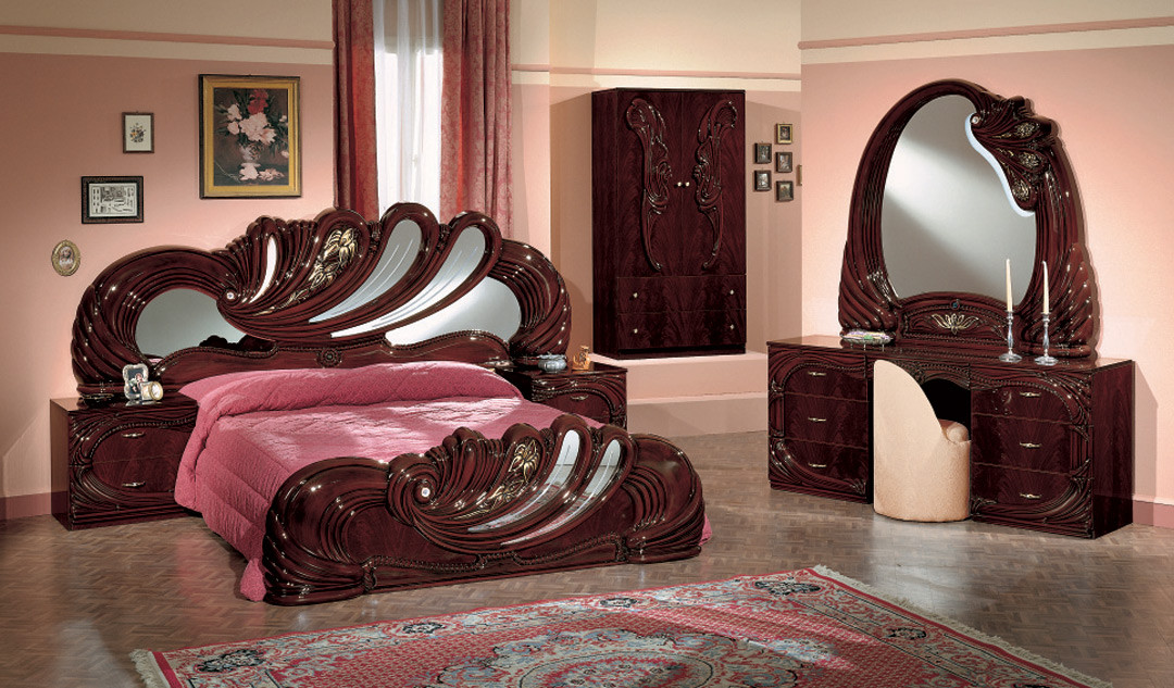 Vanity Mahogony Italian Classic 5 Piece Bedroom Set